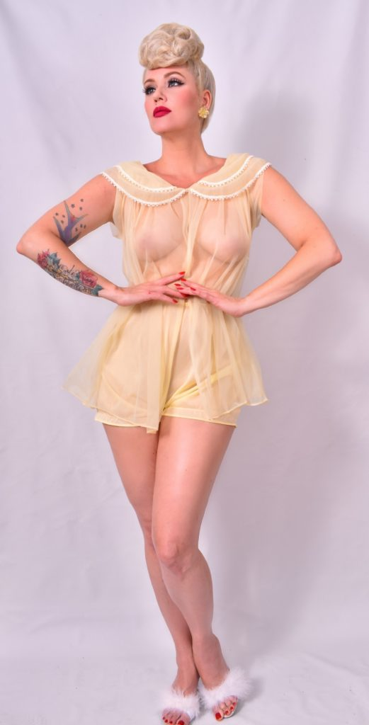 pinup model / pinup gal / burlesque baby magazine
