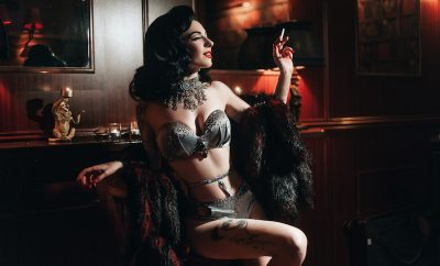 Therese Rosier burlesque pinup