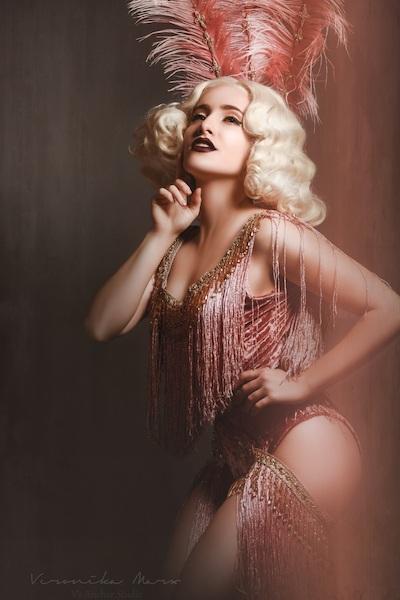 Tosco burlesque pinup shoot